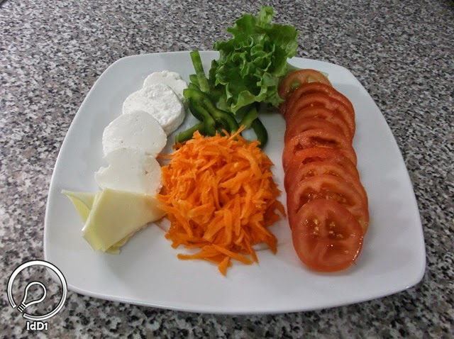 salada caprese com queijo mozarela - idd1 - 07