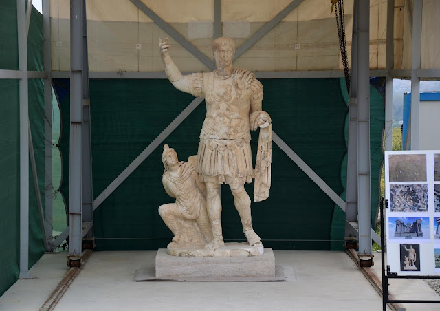 Statue of Emperor Trajan unearthed in ancient Laodicea
