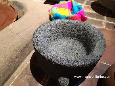 Utensilios de a Cocina Prehispánica en México: El Molcajete
