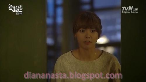 """sinopsis dating cyrano ep Bukannya senang """"ditembak"""" seorang idola, jae kyung malah meminta ho yeol tidak bicara yang bukan-bukan dan mengajaknya bicara di luar saja."""