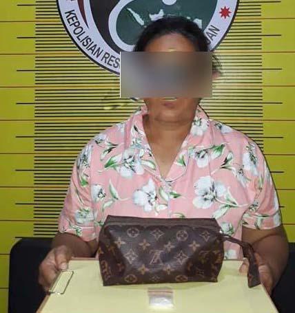 RR tersangka pengedar narkoba di Padangsidimpuan yang menyuruh anaknya untuk jual sabu.