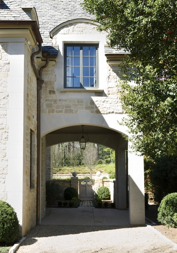 The Designer S Muse Style Trend The Porte Cochere