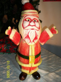 Santa Claus Watermelon Carving from Vegetable Fruit Carving.com