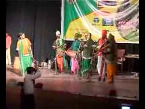 Rathin Kisku performing at RASCA Cine Award 2008 in XLRI Auditorium, Jamshedpur