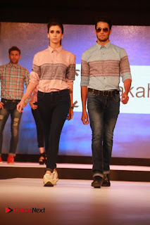 Kajal Agarwal Jiiva Anams Man & Barakah Spring Summer 2016 Collection Event Stills  0071.jpg