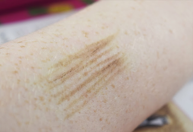 Benefit Goof Proof Brow Pencil in Shade 02 Swatch