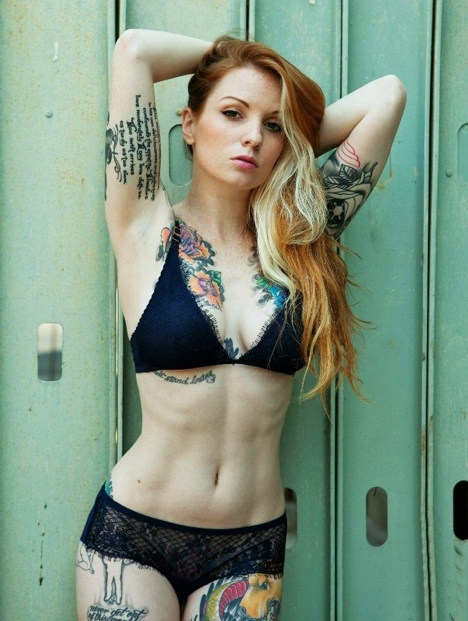 Tattooed beauty 01