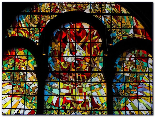 Buy Stained GLASS WINDOW Designs Free online