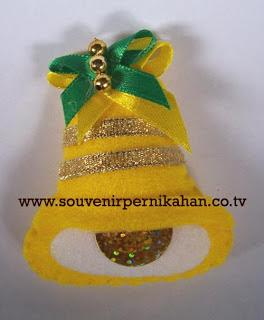 souvenir pernikahan kain flanel tempelan kulkas,gantungan kunci,berbentuk lonceng