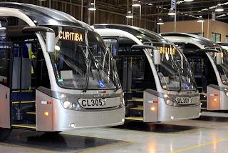Ônibus de Curitiba tocam música do Tetris para encaixar passageiros