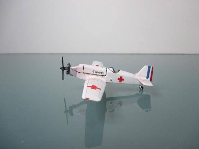1/144 Bloch 81 ambulance diecast aircraft