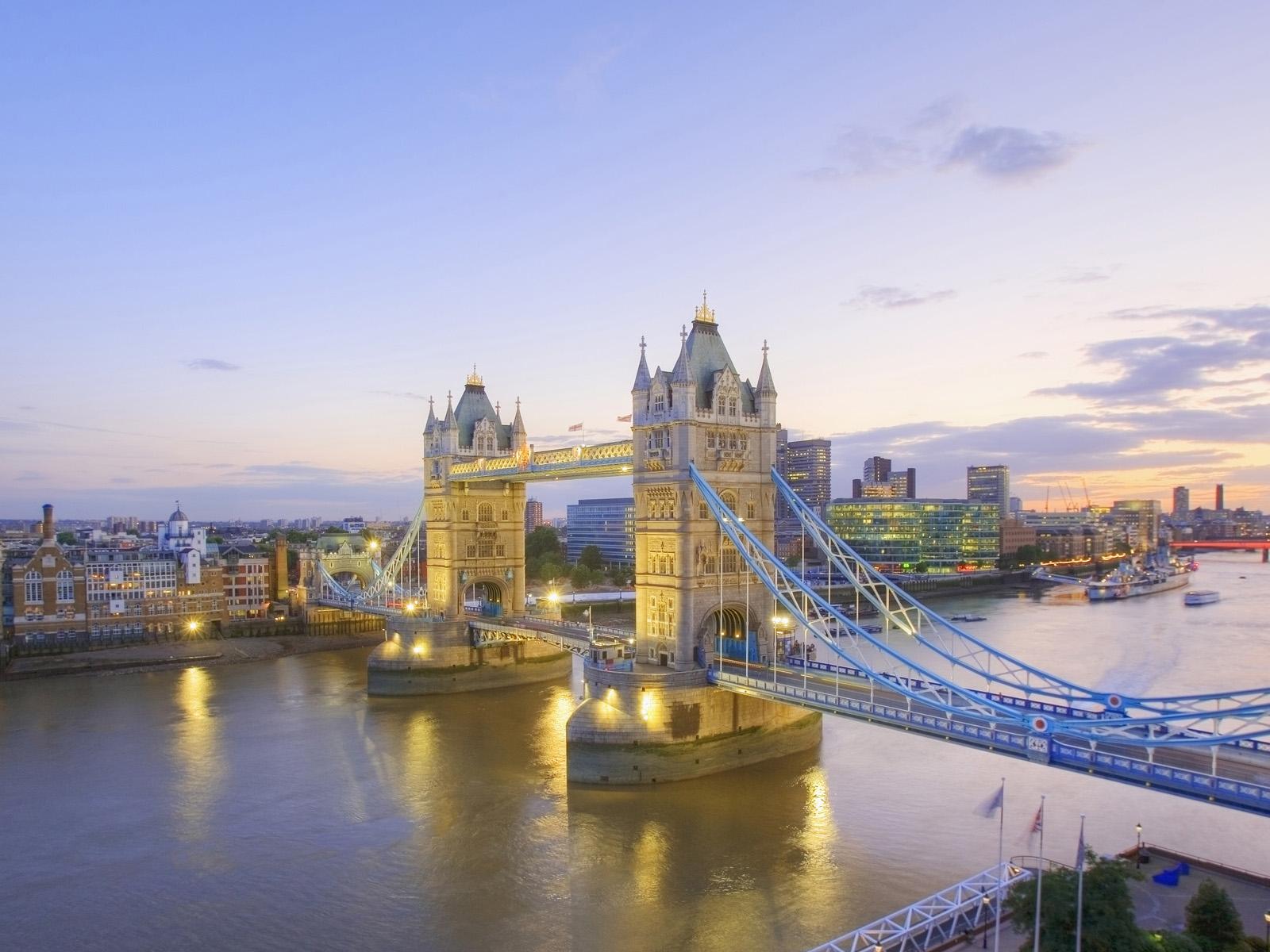 Tarzan Car Wallpaper Free Download Wallpapers Tower Bridge London Wallpapers
