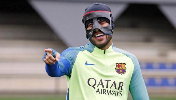AGEN BOLA - Barcelona Tunggu Tawaran Juve Untuk Rafinha