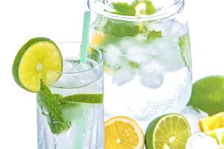 cara ampuh menahan haus saat puasa.