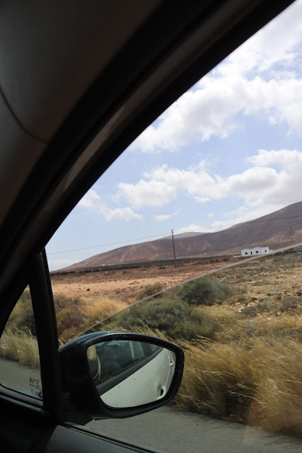 Road trip in Lanzarote - all you need to know before hiring a car