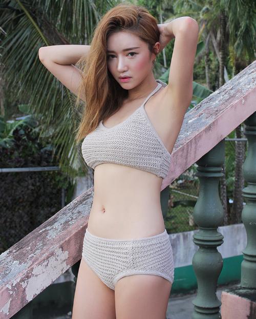 Solid Tone Halter Neck Knit Bikini