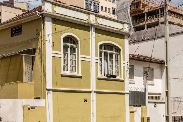 Uma casa na Dr. Faivre