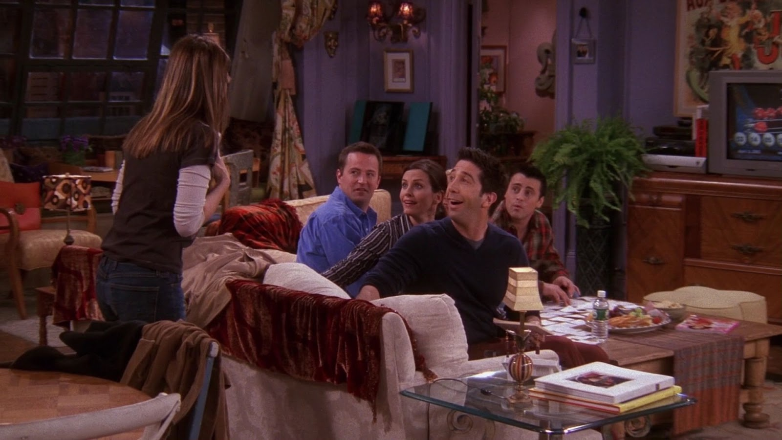 We could all learn a little from Monica Gellar's iconic nineties interior style in her apartment on Friends - how to recreate the timeless eclectic interior design look cheaply and easily within your home