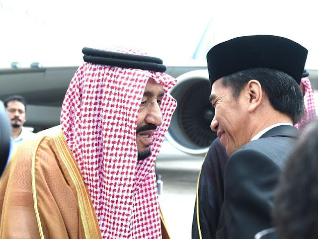 Tiba Di Bandara Halim, Raja Salman di Sambut Jokowi dan Ahok