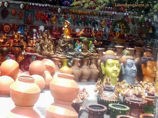 Precious Indian Art & Crafts shop on Bangalore Footpaths