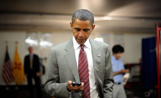 Barack Obama Use Blackberry Smartphone