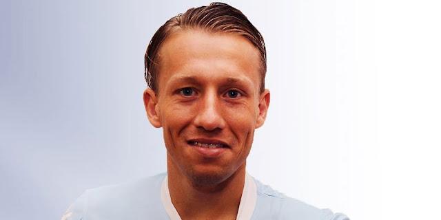 SBOBETASIA - Lazio Resmi Gaet Lucas Leiva dari Liverpool