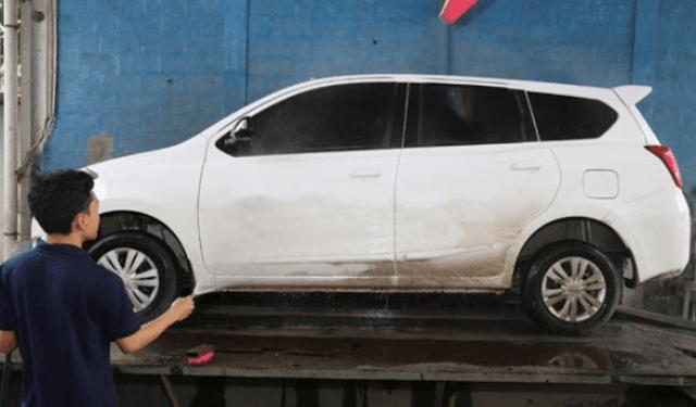 Musim Hujan Tiba, Malas Cuci Mobil ?