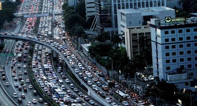 Jika pemerintah Mau Hentikan Riba Kredit Mobil, Ini Bisa Tanggulangi Kemacetan