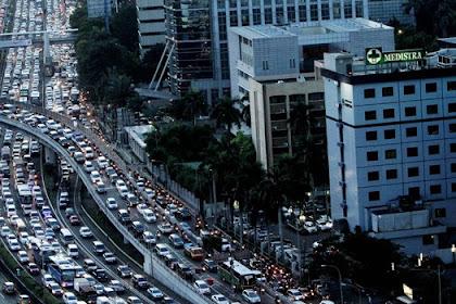 Jika pemerintah Mau Hentikan Riba Kredit Mobil, Ini Bisa Tanggulangi Kemacetan, Begini Penjelasan Eggi Sudjana