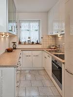 Glas Hängeschrank für eine kleine Küche