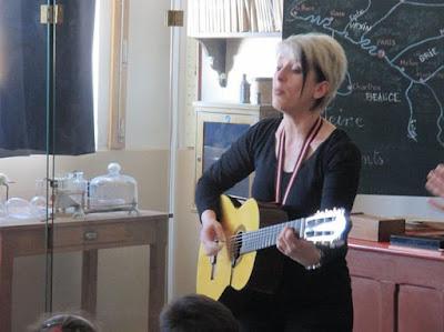Magali Fras, professeure à l'école de musique, intervenante scolaire.
