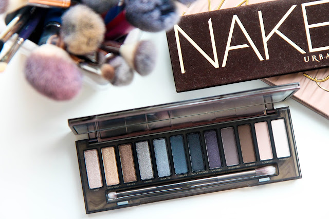 Urban Decay Naked Smoky Palette Makeup Look and Swatches