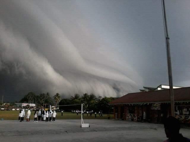 Langit dengan awan luarbiasa di Langkap, Perak