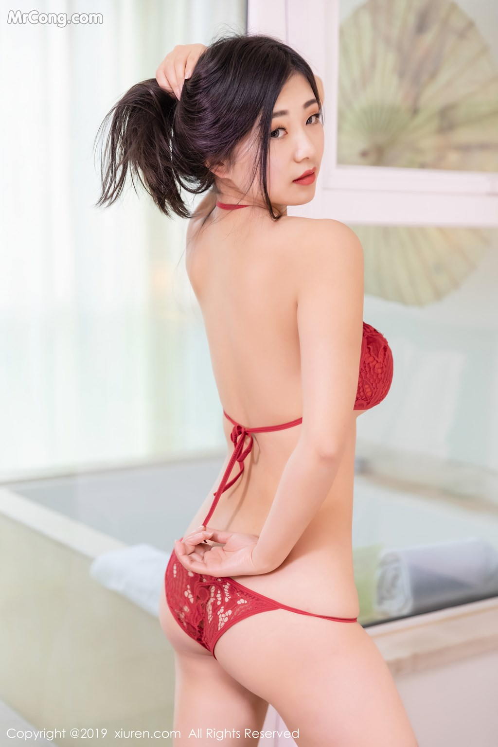 Image XIUREN-No.1327-KiKi-MrCong.com-042 in post XIUREN No.1327: 宋-KiKi (44 ảnh)