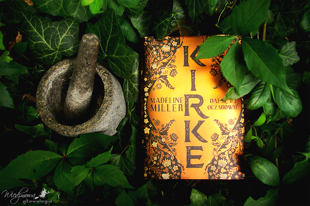 Wiedźmowa głowologia, recenzje książek, powieść obyczajowa, fantastyka, mitologia grecka, wydawnictwo Albatros