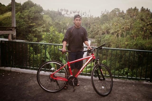 Naik Sepeda ke Air Terjun Kemenuh atau Air Terjun Tegenungan