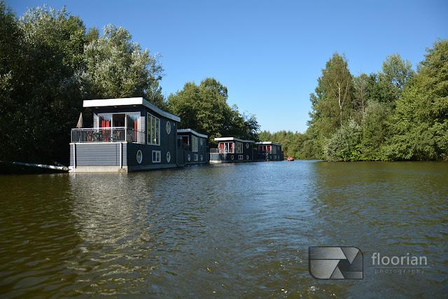 Domki na wodzie w Center Parcs Bispinger Heide.