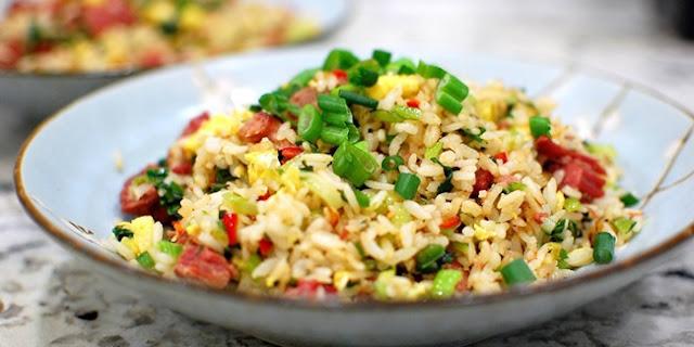 Cara Membuat Resep Nasi Goreng Jagung Manis Yang Lezat - naresep.com