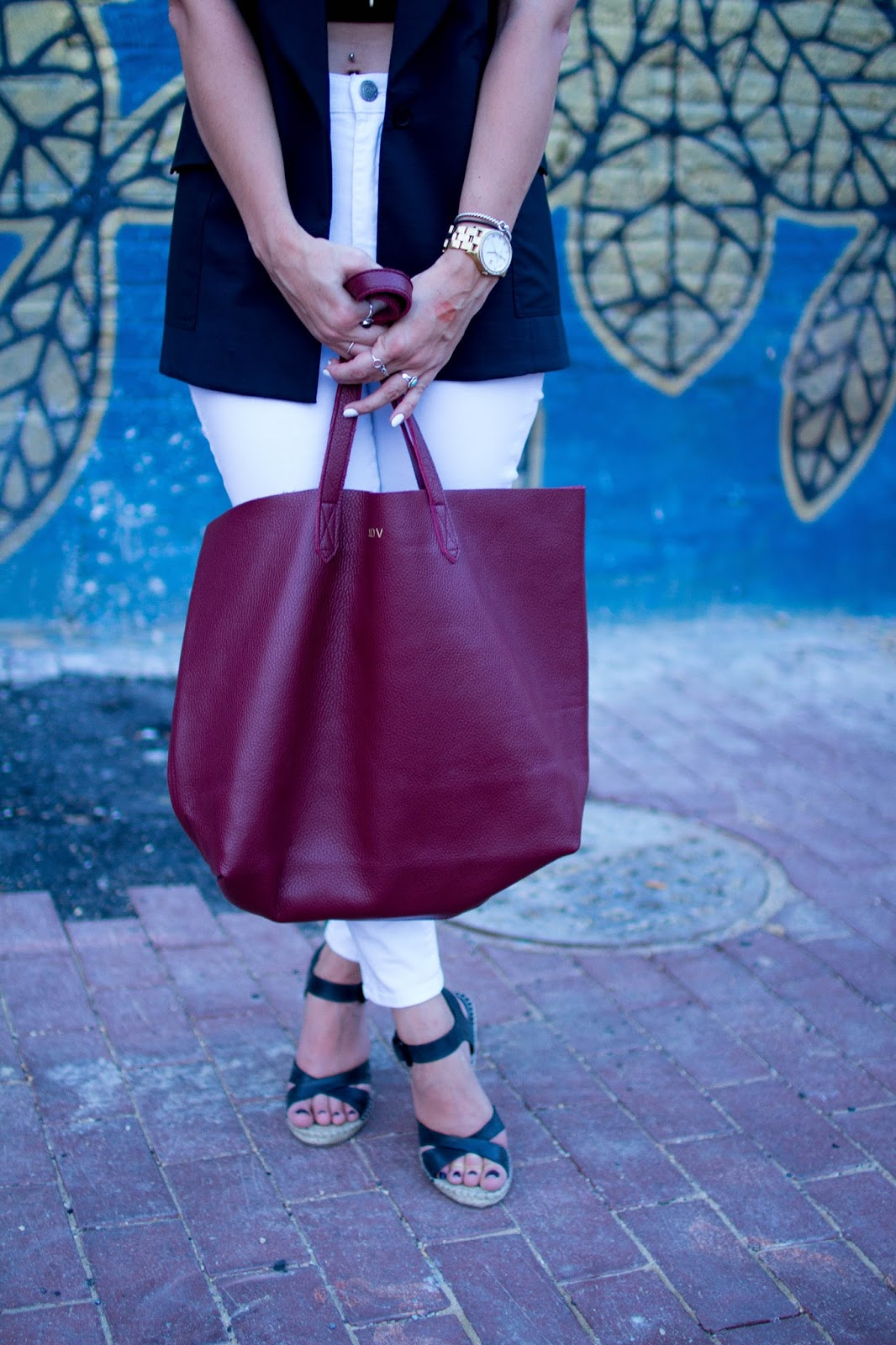 How to style a long black vest. | A.Viza Style | kit ace vest - white denim - joie wedges - cuyana tote - dc blogger