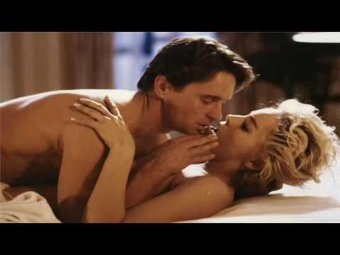 Michael Douglas et Sharon Stone dans Basic Instinct, réalisé par Paul Verhoeven (1992)