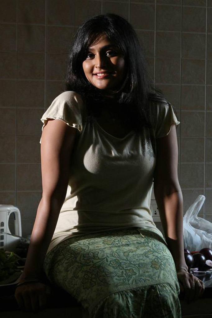 Hot ramya nambeesan naked — photo 7