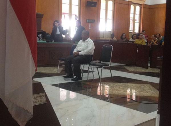 Pengusaha asal Medan yang menyuap Bupati Batubara OK Arya Zulkarnain saat menjalani persidangan.