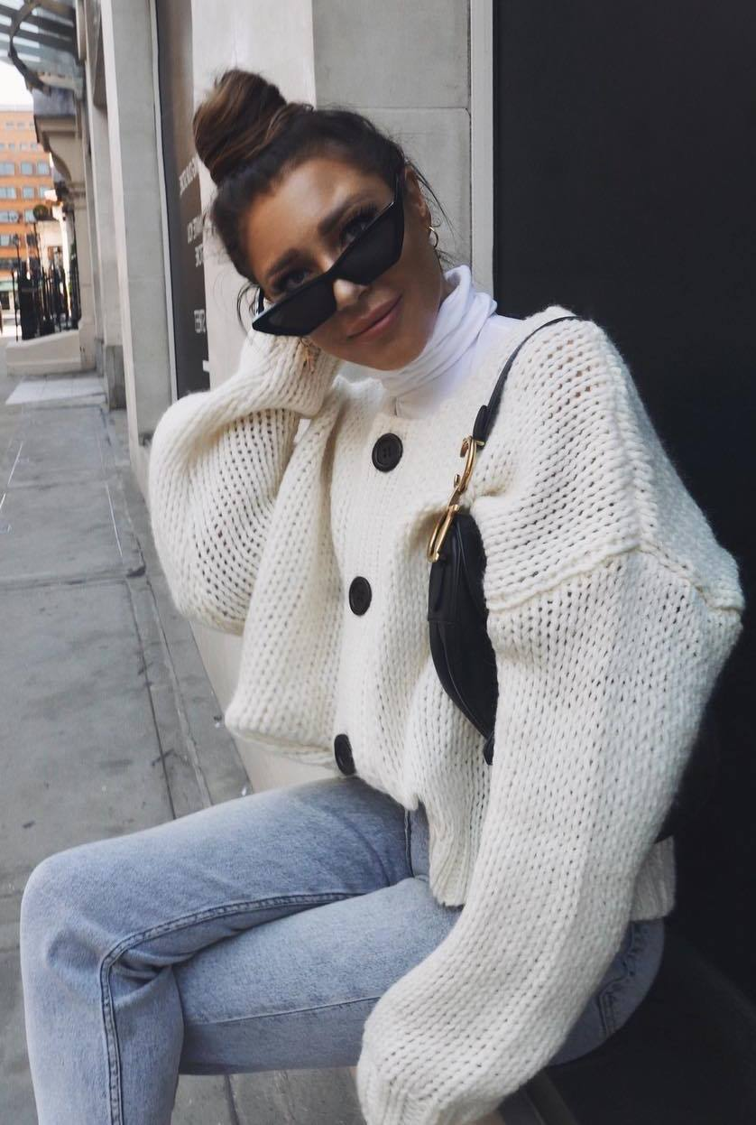 how to wear a knit cardigan : bag and jeans