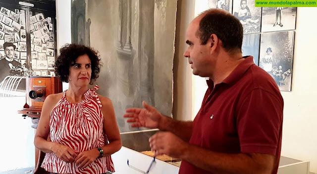 El Cabildo felicita a Manuel Poggio por su entrada en la Real Academia Canaria de Bellas Artes