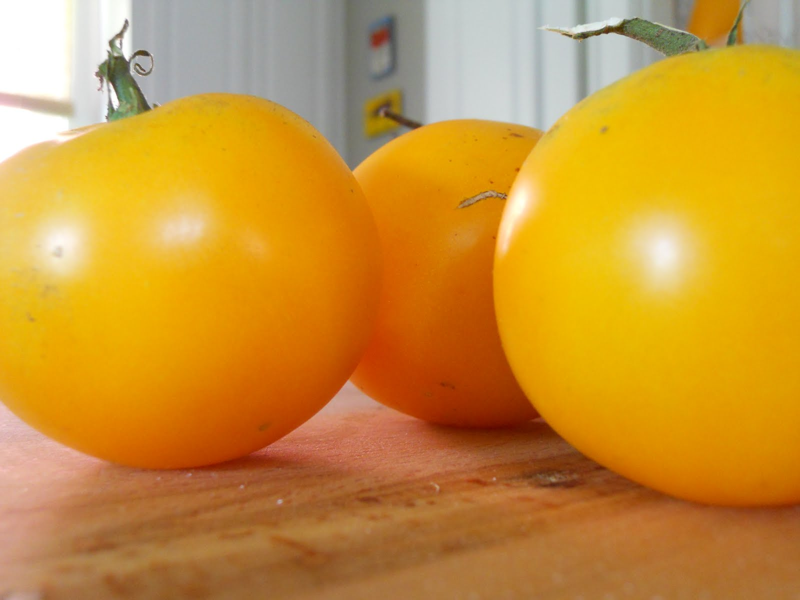 Pie Hole: Yellow Tomatoes Make...Yellow Sauce.