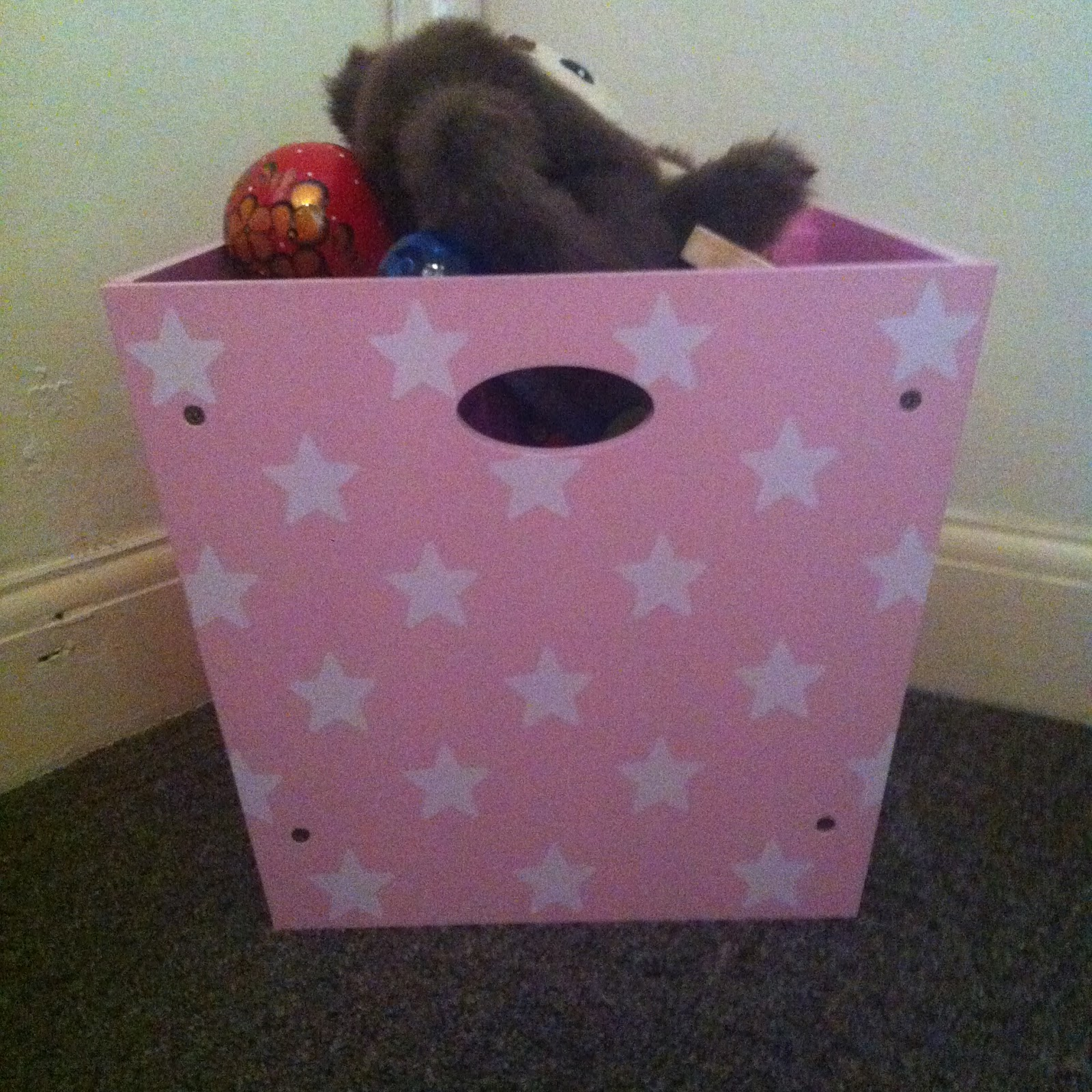 Carnival Toy Box Pink: My Little L: Review: Kid's Concept Pink Wooden Toy Box
