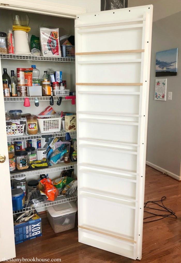 Attaching organizer to door