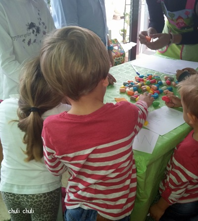 dikodikis totana y sus juegos entreteniendo a los niños