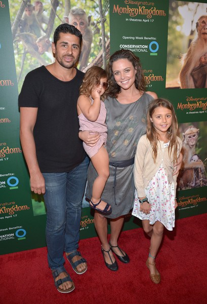 Newly Engaged Josie Maran on Motherhood Her Cosmetics Line  - ali alborzi photographer