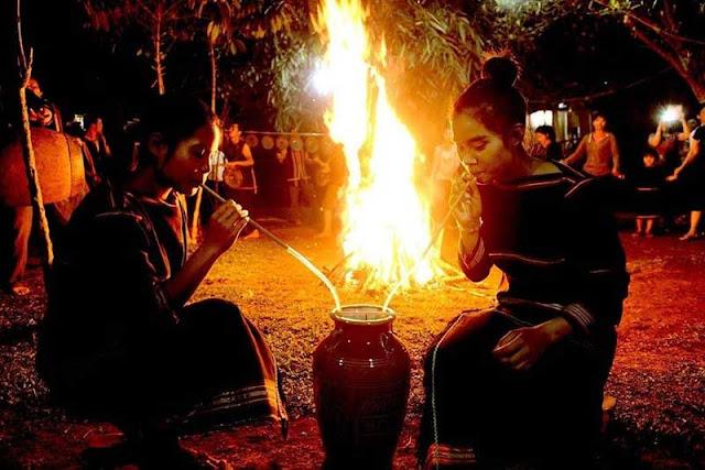 Lễ hội ban đêm mang dáng dấp, nét độc đáo của buôn làng người Ê Đê